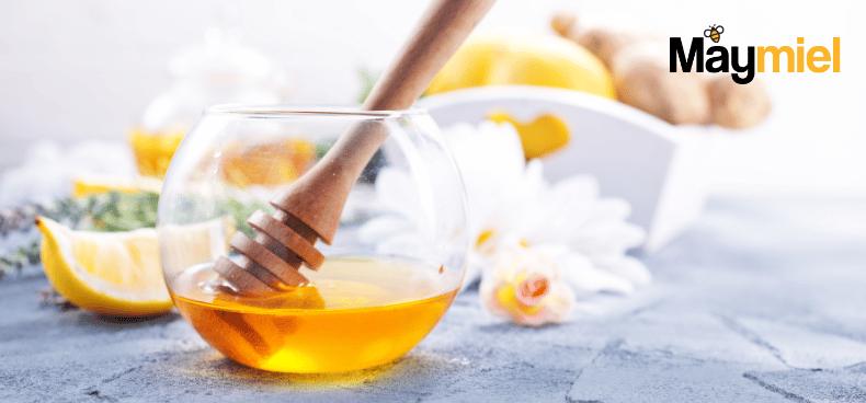 Lèvres gercées : les soigner par le miel